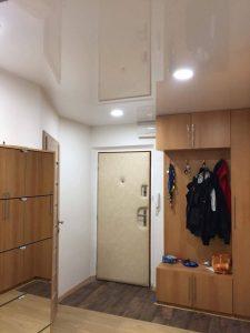 Napínaný strop v předsíní