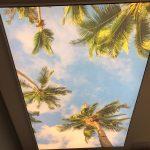 Designový napínaný strop v salonu